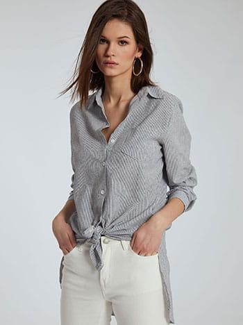 Μακρύ πουκάμισο με ρίγες, με τσέπη, γυριστό μανίκι με κουμπί, άνοιγμα στο πλάι, κλασικός γιακάς, ασύμμετρο τελείωμα, μαυρο