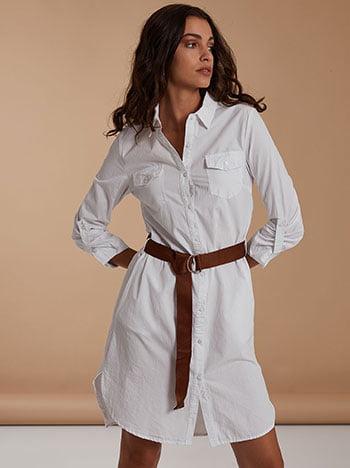 Φόρεμα με αποσπώμενη ζώνη, κλείσιμο με κουμπιά, κλασικός γιακάς, γυριστό μανίκι με κουμπί, θηλιές στη μέση, ανοίγματα στο πλάι, λευκο