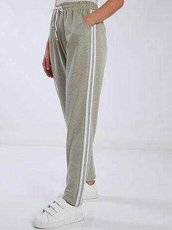 Παντελόνι φόρμας με πλαϊνές ρίγες, ελαστική μέση, εσωτερικό κορδόνι, ύφασμα με ελαστικότητα, λαδι