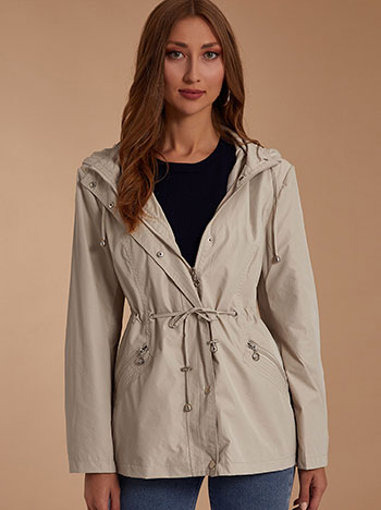 Αντιανεμικό μπουφάν με τσέπες, αποσπώμενη κουκούλα, κλείσμο με φερμουάρ και κουμπιά, εσωτερικό κορδόνι, μπεζ