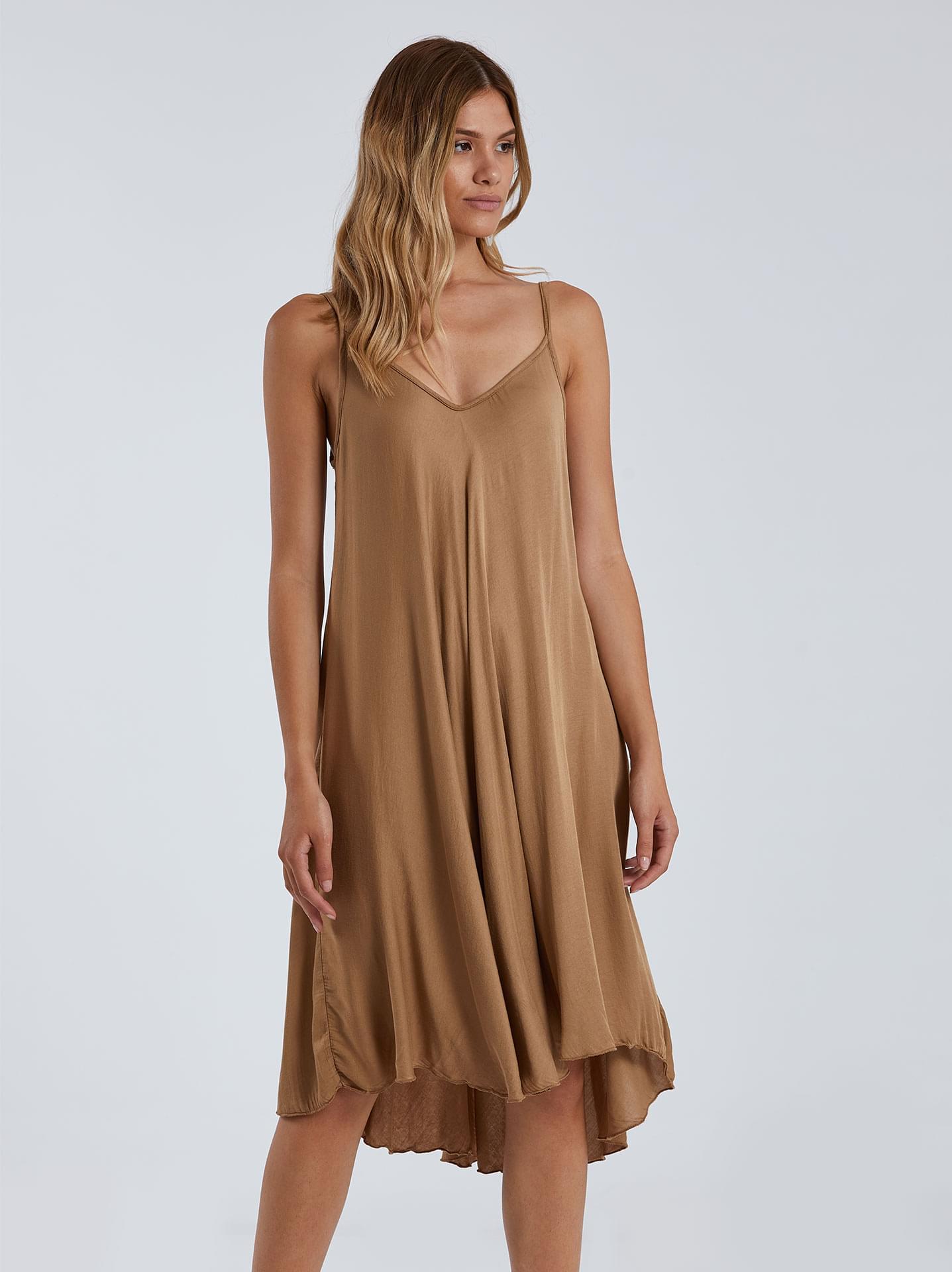 Midi φόρεμα με v λαιμόκοψη σε καμηλο, 11,95€ | Celestino