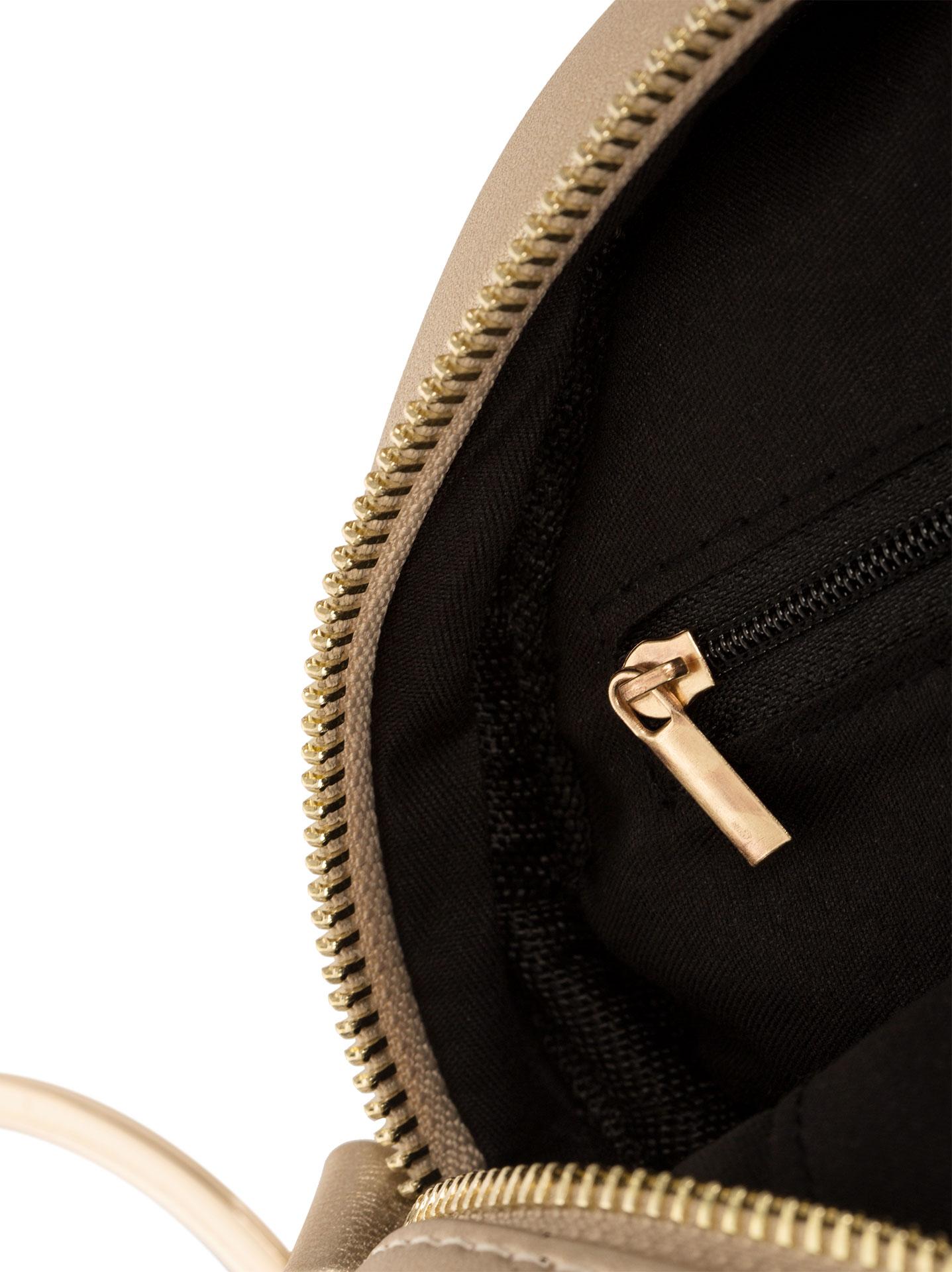 Στρογγυλή ανάγλυφη τσάντα με κρίκο σε χρυσαφι 667a66947a5
