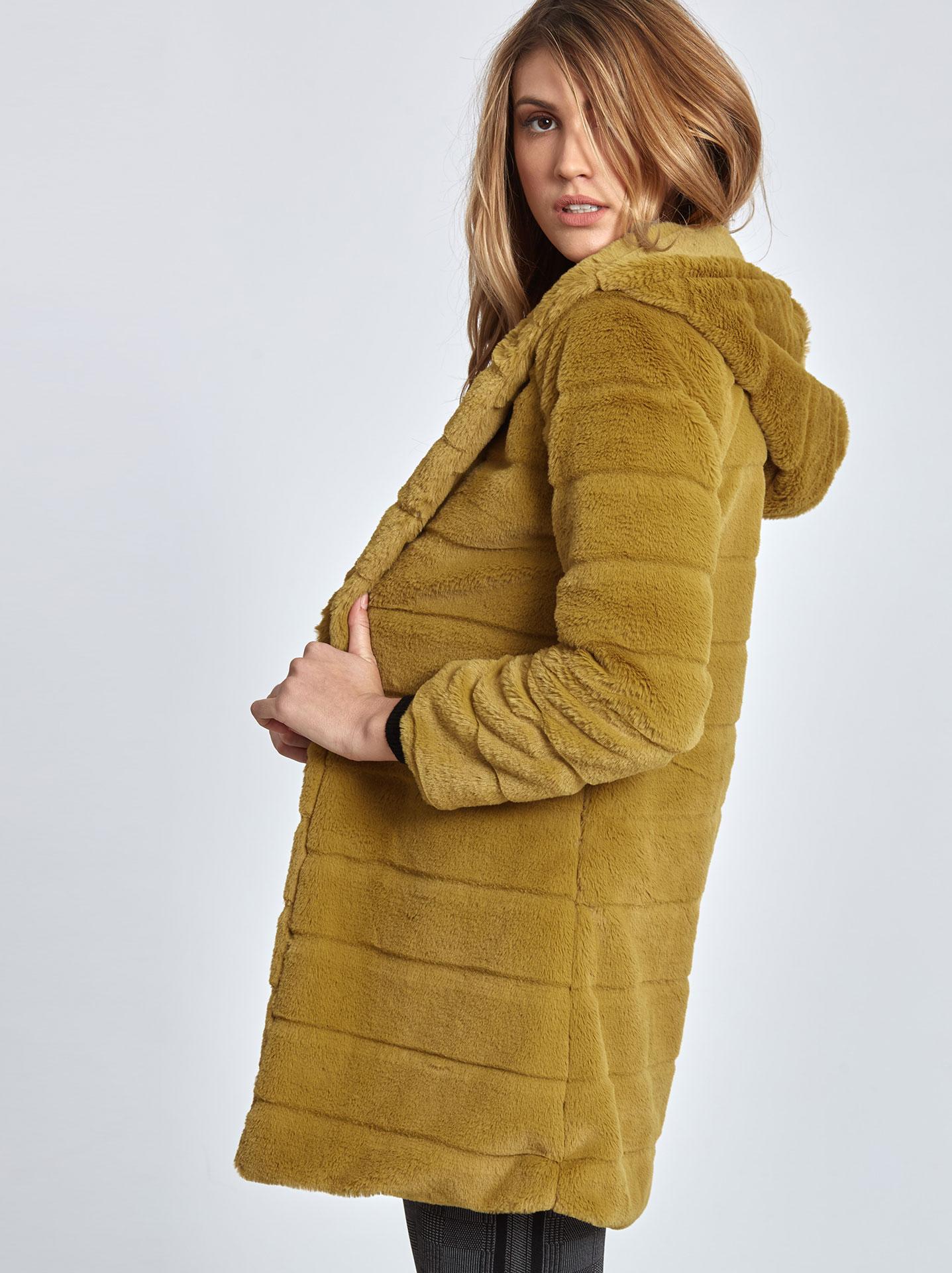 Παλτό από οικολογική-συνθετική γούνα σε μουσταρδι 985ff6936a4