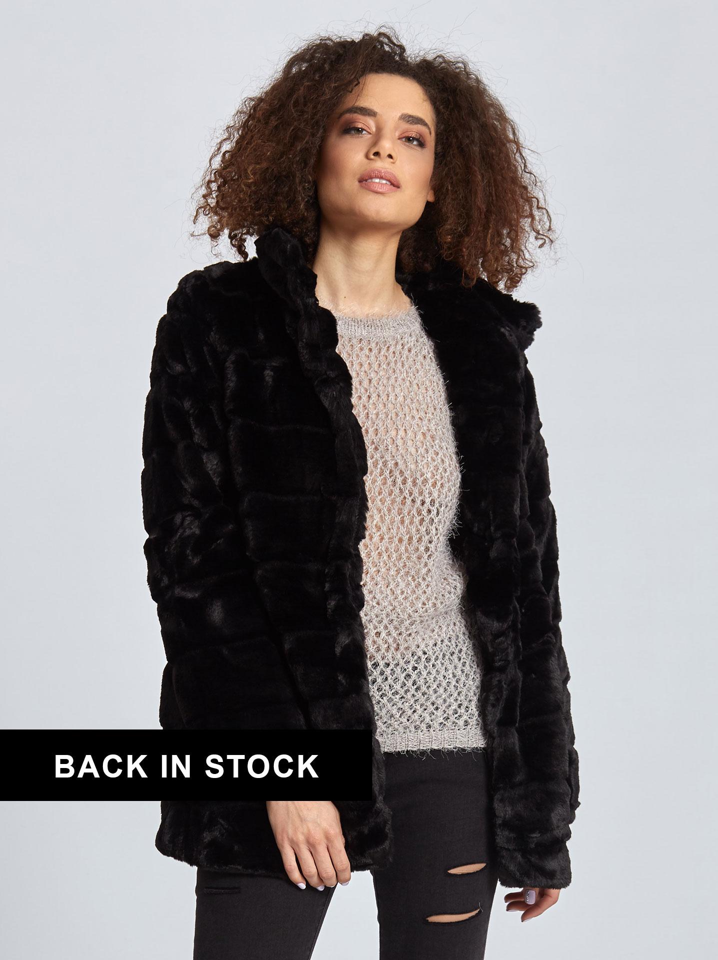 Κοντό παλτό από οικολογική-συνθετική γούνα σε μαυρο 9f1b9de4faa