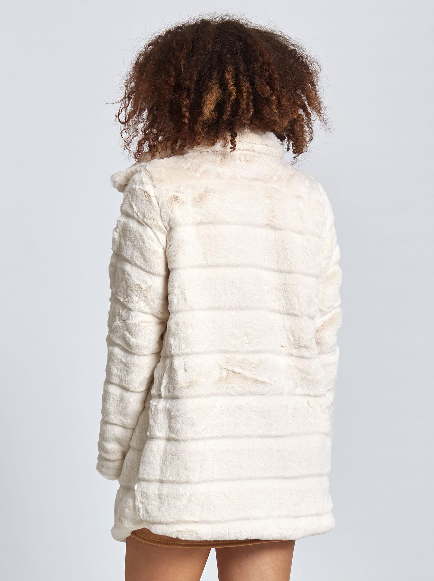 Κοντό παλτό από οικολογική-συνθετική γούνα σε εκρου 5ac85b3dcb3