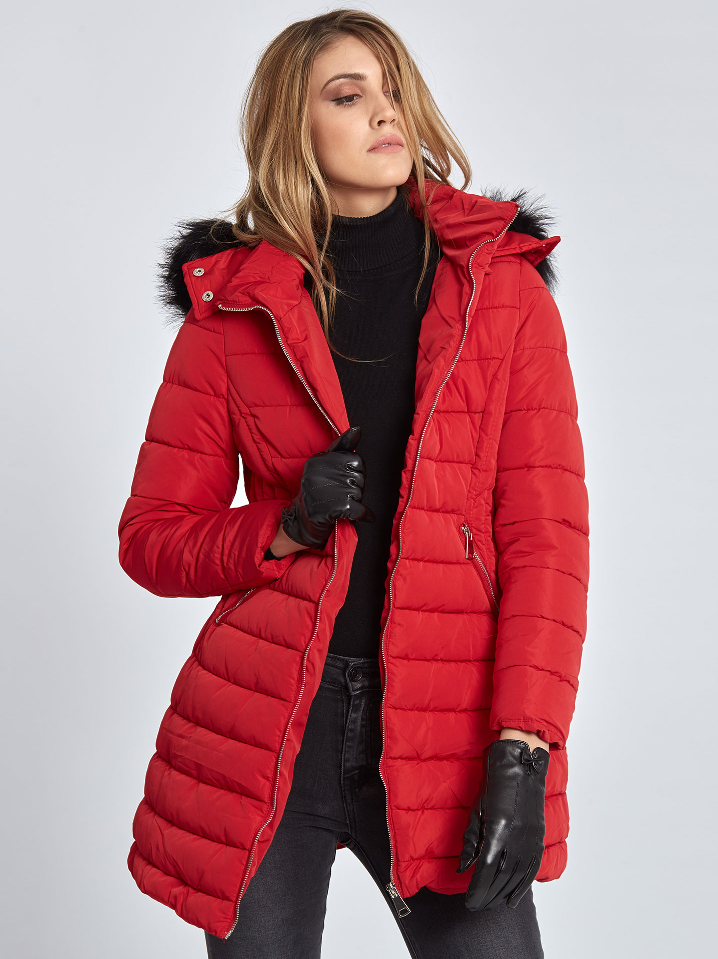 a7ac5fd3edc2 Long hooded puffer coat in red, 49.95€ | Celestino
