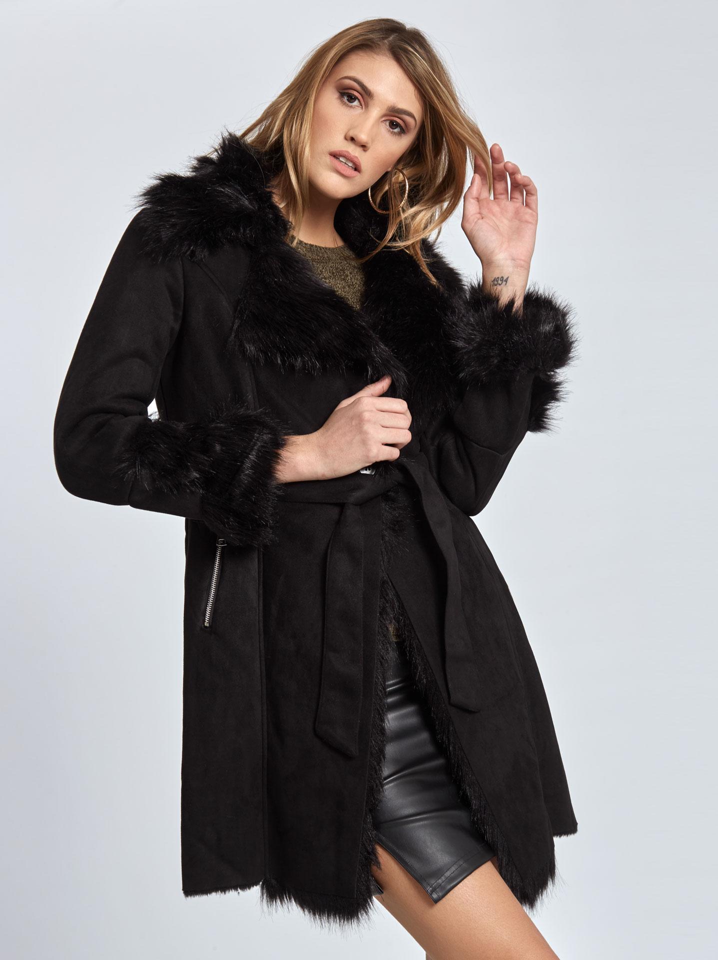 Παλτό με λεπτομέρειες συνθετικής γούνας σε μαυρο 1ec3b5190c4