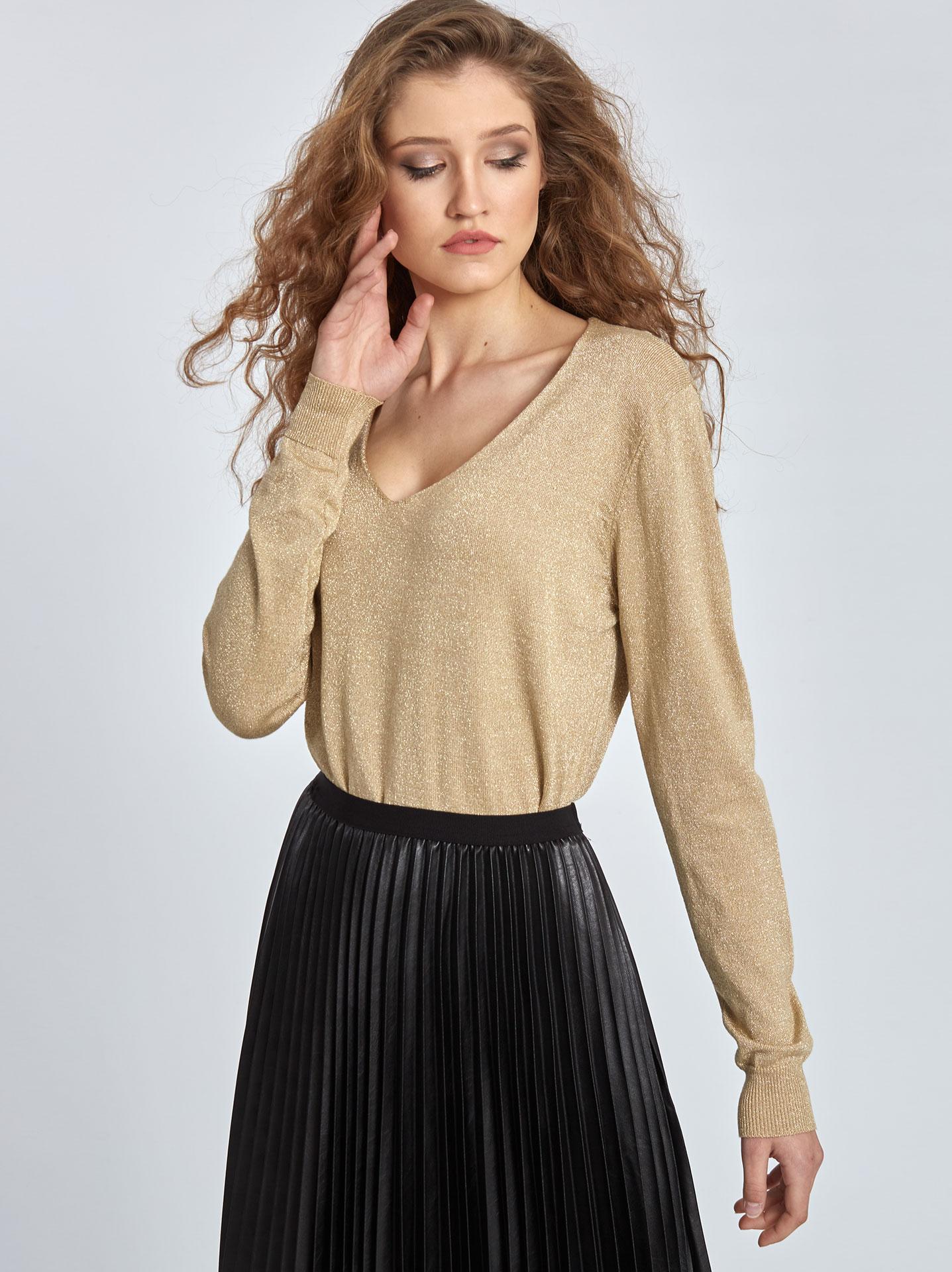 e9fac8418c6e Μεταλλιζέ πουλόβερ σε χρυσαφι