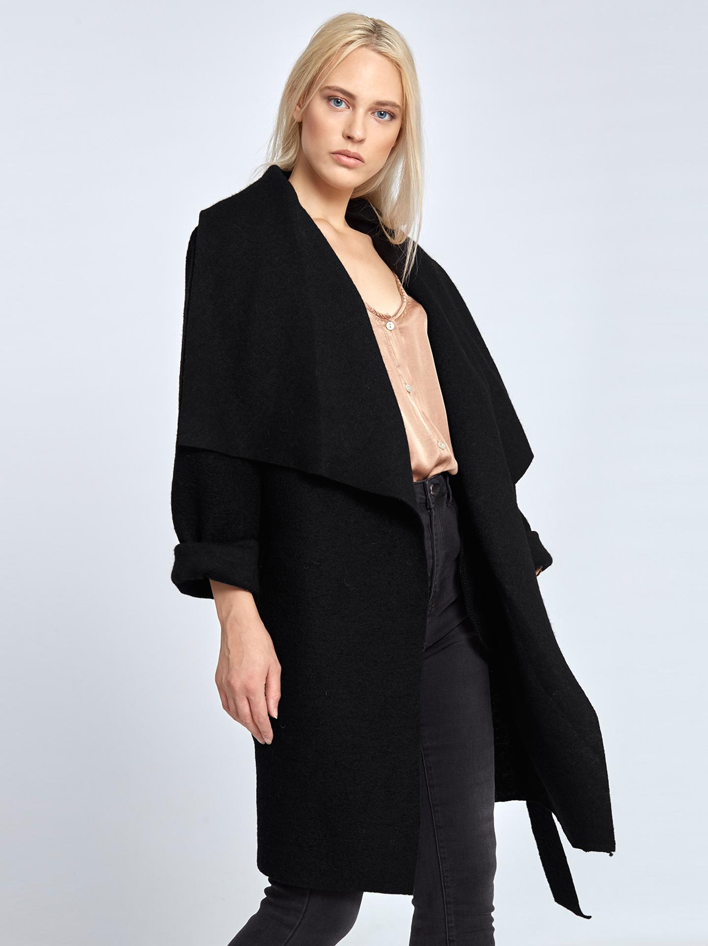 Μπουκλέ παλτό με ζώνη σε μαυρο 0bb0d183316