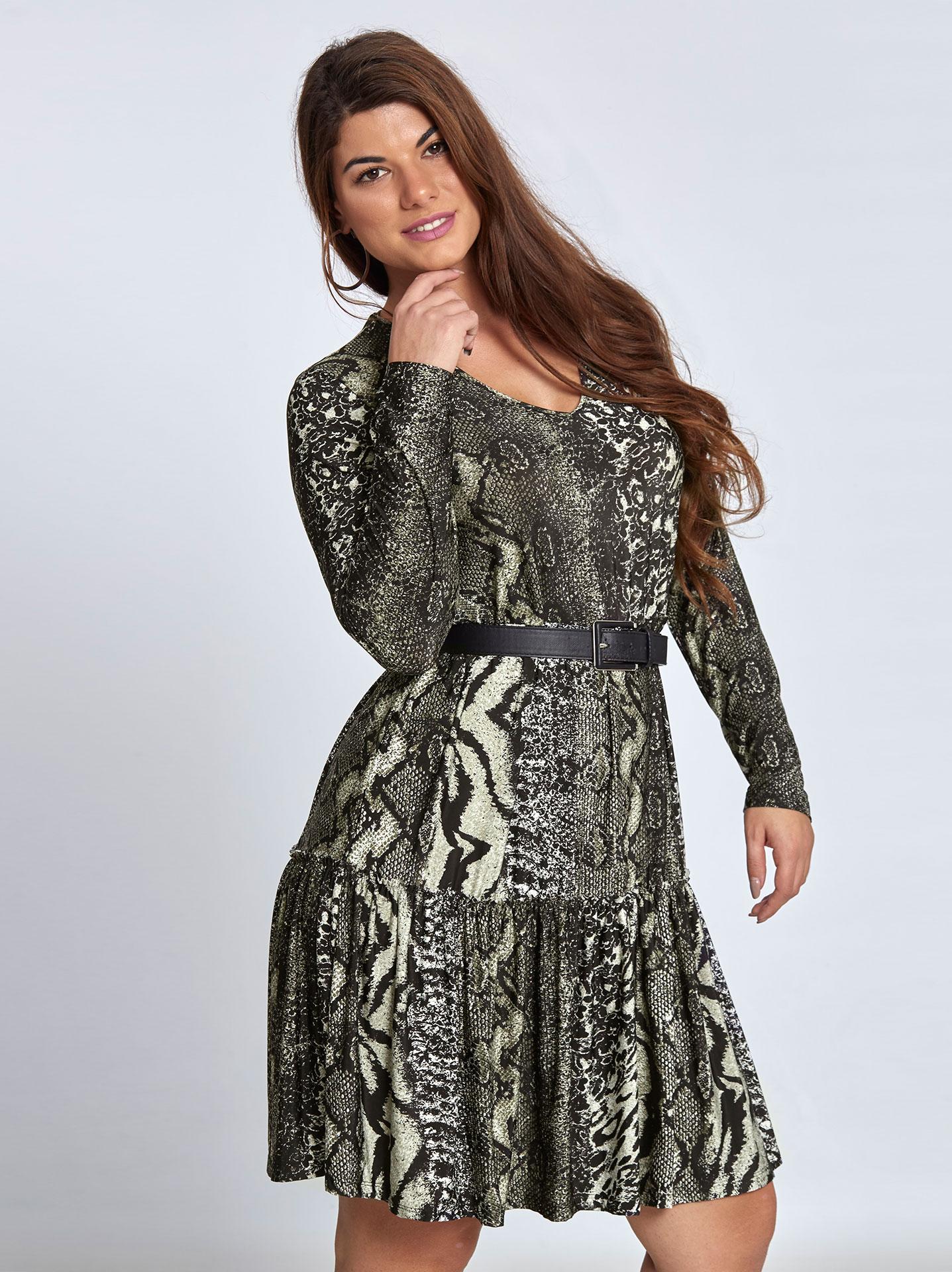 1a7e0e5f3292 Mini φόρεμα με βολάν σε animal print curvy σε χακι