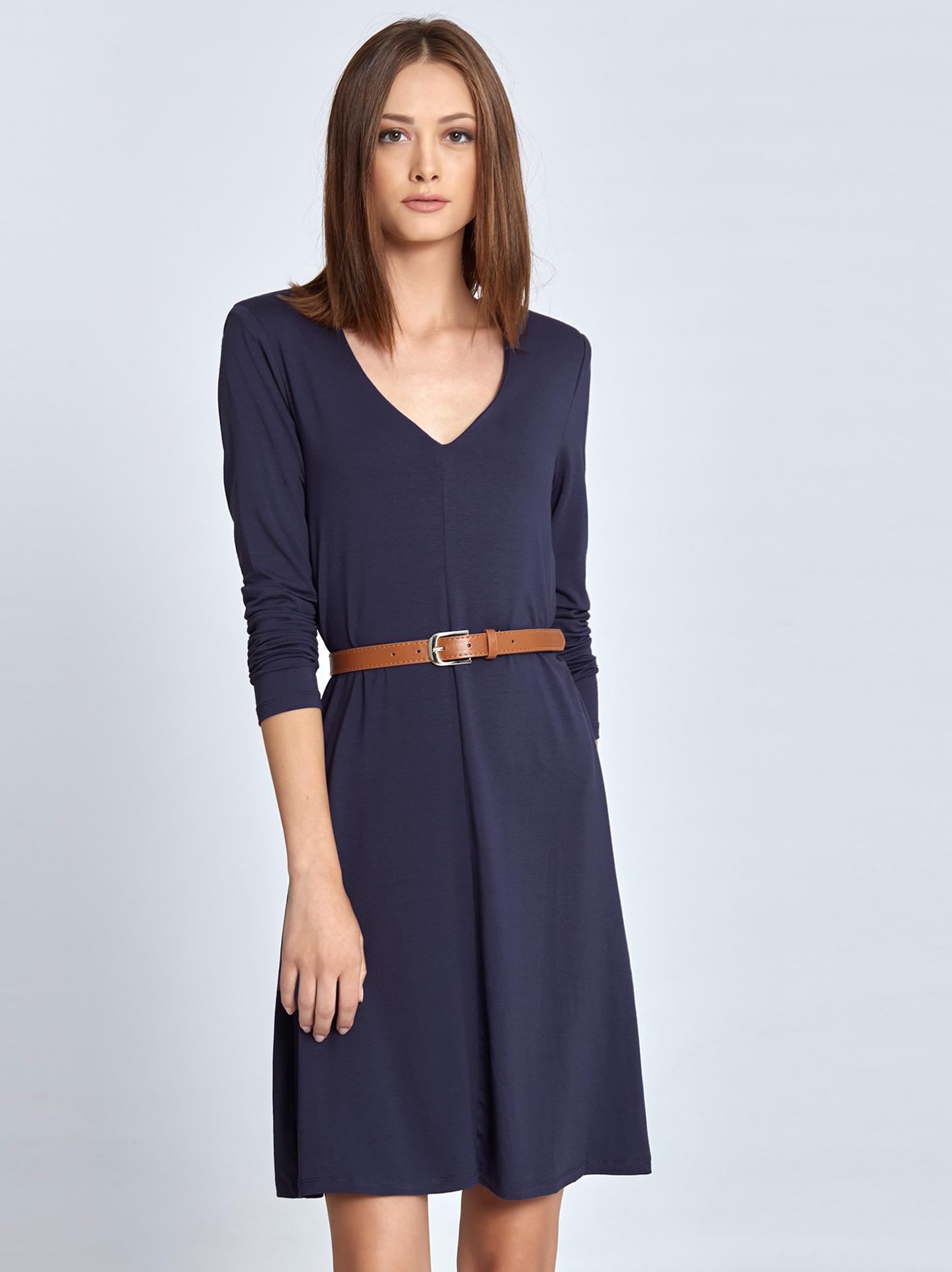 5cb2a22afb61 Midi φόρεμα με βάτες σε μπλε ραφ